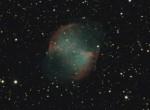 M27 (NGC6853) Nébuleuse de l'Haltère dans le Petit Renard,  par Monique Q.