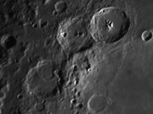 Lune de droite à gauche cratères Catherine, Cyrille et Théophile, par Alain G.