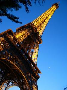 La Lune et la Tour Eiffel par Gilles D.