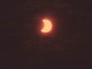 Eclipse annulaire partielle du Soleil dans le sud-ouest de la France le 04 janvier 2011, par Alain G.