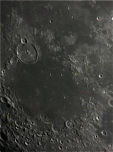 La Lune : cratère Gassendi par Evelyne D.