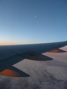 Quartier de Lune à 38000 pieds.Quelques turbulences de l'avion lors de la prise de vue par Frédéric D.